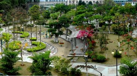 中心花园(下方是大型地下停车场)