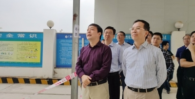 自治区住房城乡建设厅副厅长杨绿峰到东院主持召开现场协调会